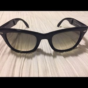Ray-Ban Black Folding Wayfarer Sunglasses